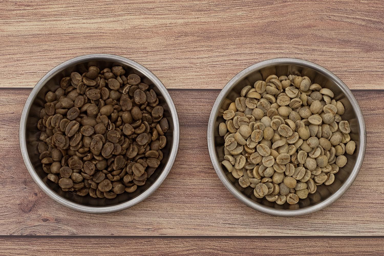 デカフェ処理された生豆と普通の生豆